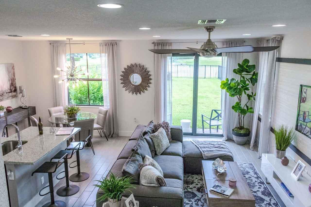 Sofa seccional: Como decorar una sala