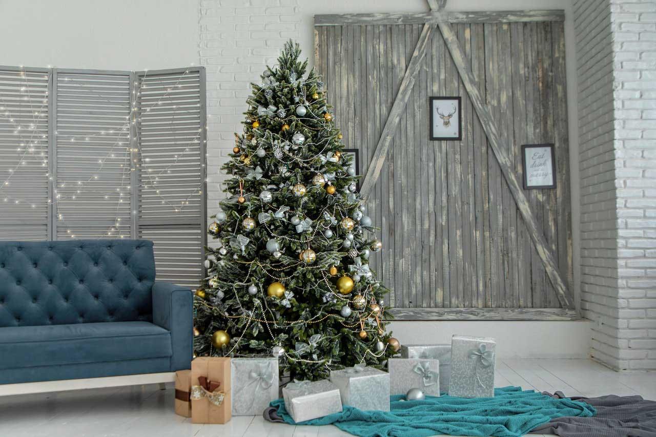 Muebles de colores para decoración navideña